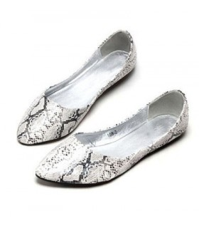 Snake pattern soft bottom flat shoes