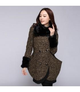 Grande cuciture tasca del cappotto di lana spessa