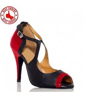 Das Schuhe wird gemacht, um zu tanzen