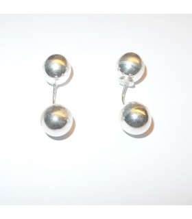 Round silver balls earrings