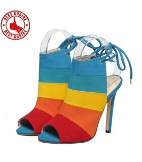 Regenbogenfarbe Schuhe
