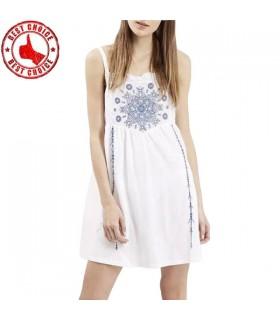 Schönes gesticktes Kleid