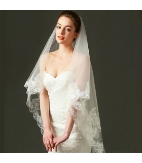 Organza wedding veil with lace