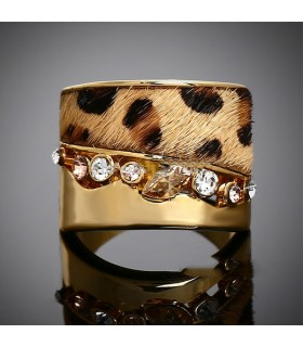 Gold embellished fur and stones ring