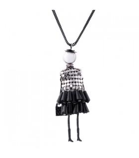Belle robe de poupée Colliers