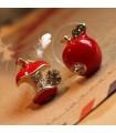 Schöne rote Apfelohrringe