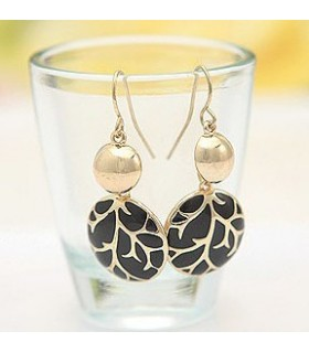 Elegant round shape black earrings