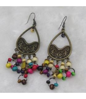 Farbige Ohrringe im Boho-Stil