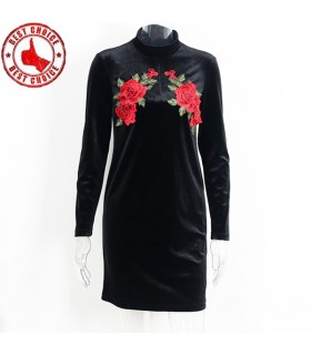 Black long sleeved velvet embroidery dress