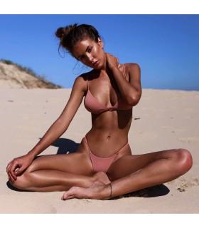Brasilianischer einfacher rosa Bikini