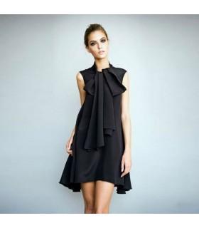 Schwarzes Seidenkleid mit vorderer Schleife