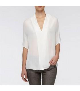 Maglietta semplice in seta bianca che scorre