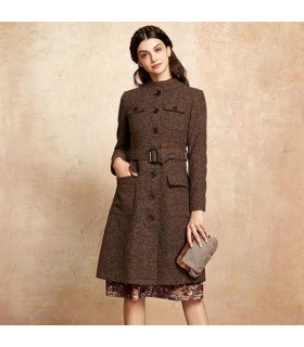 Elegant buttons brown coat