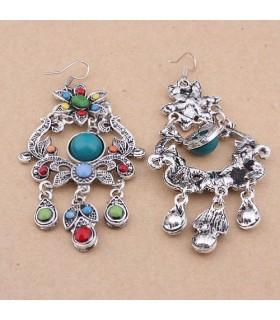 Style boho a colorié des boucles d'oreille en pierre