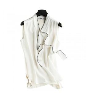 Top blanc en soie structurée