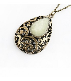 Collier vintage style ancien
