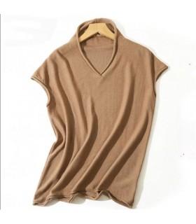Maglietta con scollo a V in maglia color cammello