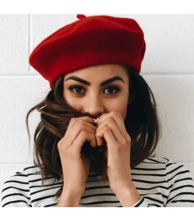 Bonnet en laine d'artiste rouge français
