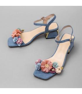 Sandales confortables modernes
