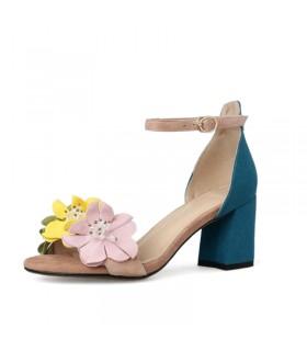 Pouvoir de fleurs hautes sandales de talon
