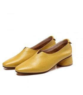 Chaussures en cuir jaune