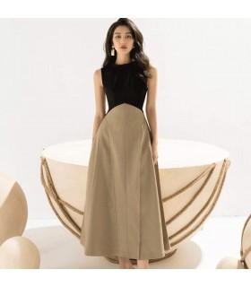 Ärmelloses Kleid im französischen Stil mit hoher Taille