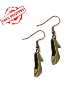 Bronze Ohrringe in einer Schuhform