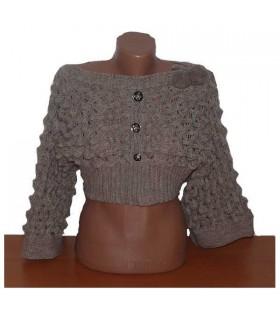 Recadrée chandail de modèle de mode très moderne