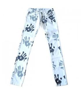 Jeans bianchi con macchie