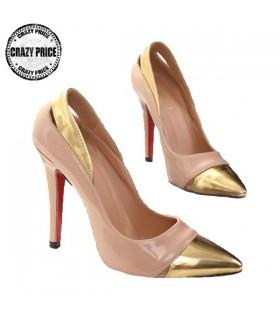 Rosa elegante dettaglio scarpa d'oro