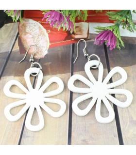 Boucles d'oreilles bois fleur blanche