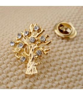 Ohrstecker in Form eines goldenen Baumes