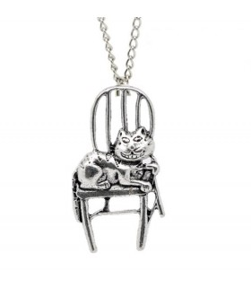 Cheeky cat necklace