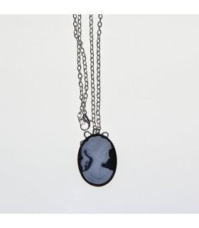 Vintage damme camellia necklace