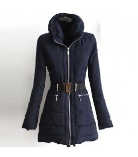 Saphirfarbener blauer Mantel