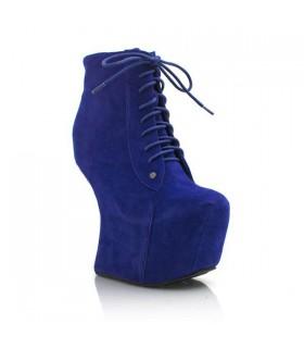No heel suede boots
