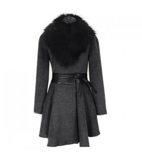 Elegante cappotto con pelliccia sintetica collare