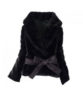 Manteau noir court cheveux d'imitation lapin