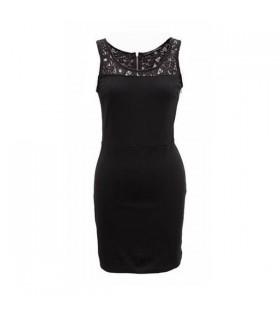 Spitze verziert Kleid