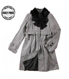 Schöne Freizeit grauen Mantel