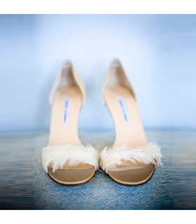 White feather fantastic shoes