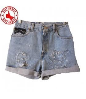 Short jeans orné de dentelle