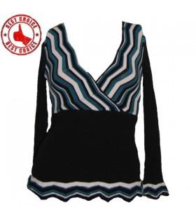 Bel modello di zig-zag di design a maglia camicetta