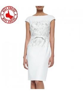 Robe en coton blanc avec dentelle