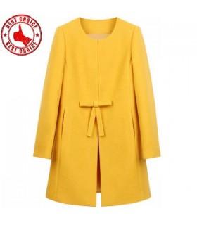 Jaune manteau des femmes de mode
