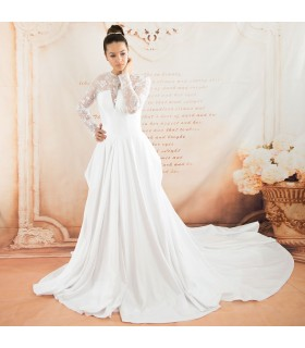 Manchon long satin train cour princesse robe de mariée