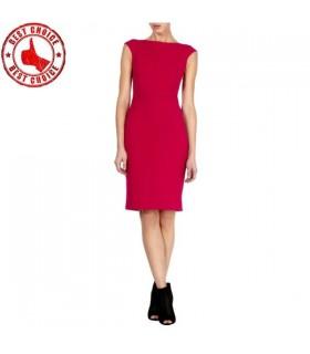 Licol rouge robe élégante sophistiquée
