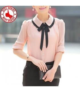 Süßes rosa langes sleeved Hemd