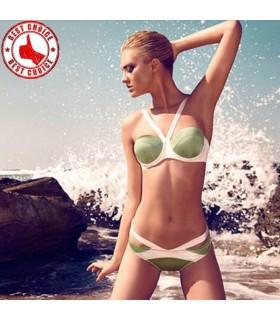 Maillot de bain vert pistache de coupes modernes