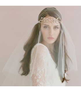 One layer tiara wedding veil